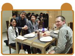 フレデリック・ボウ先生のレストランにて全員でディナー