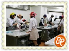 クラーク高校(大宮キャンパス)で製菓ゼミを 選択している生徒の皆さん