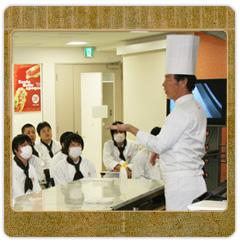 埼玉県洋菓子協会会長で、ププリエオーナシェフの 大橋健二先生