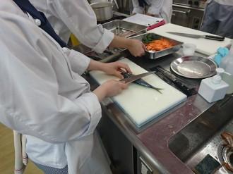調理 魚 (2)