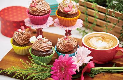 ハートチョコのカップケーキ&バレンタインラテアート