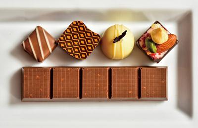 お家で作れない超本格チョコレート作り